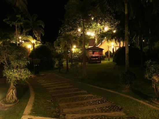 Pagsanjan, Philippinen: hotel at night