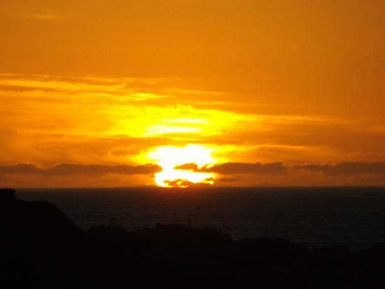 โรงแรมทเวลฟ์อพอสเทิ่ลส์โฮเต็ลแอนด์สปา: Sunset from the Twelve Apostles
