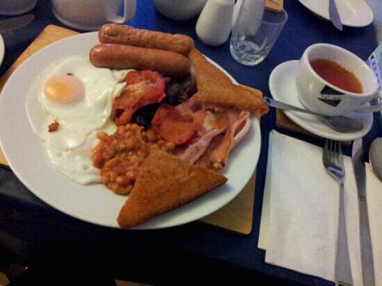 Whiteways Guest House : Wonderful breakfast!!
