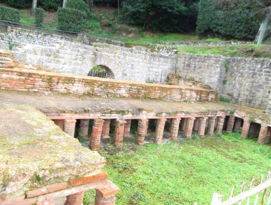 Museo Civico Archeologico: vasche termali, Fiesole