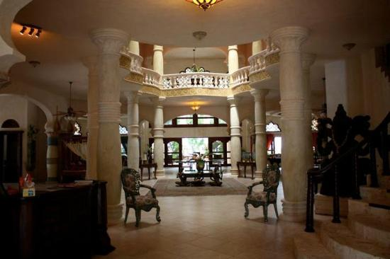The Palace at Playa Grande: The common area