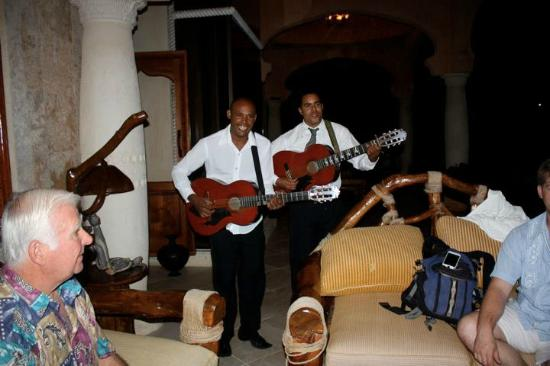 The Palace at Playa Grande: Live music