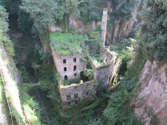 Il Vallone dei Mulini (Deep Valley of the Mills) : different angle