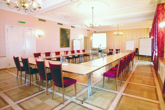 Hotel Glarnerhof: Saal Seminar