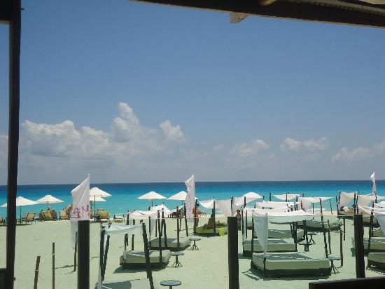 ME Cancun: the beautiful beach club