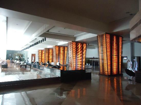 ME Cancun: lobby