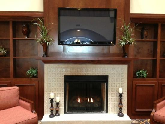 Country Inn & Suites by Radisson, Braselton, GA: Fire places are lit!