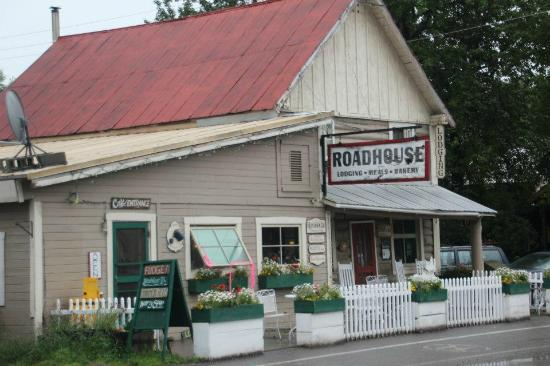 Talkeetna Roadhouse: Roudhouse exterior