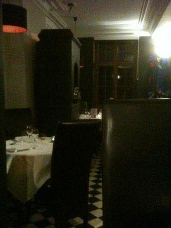 Restaurant Maxime Colin: zeer gezellig en warm interieur . netjes en leuk om er te dineren