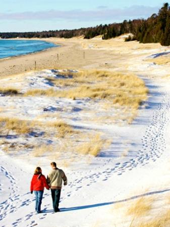 Waterbury Inn: Hiking at Whitefish Dunes
