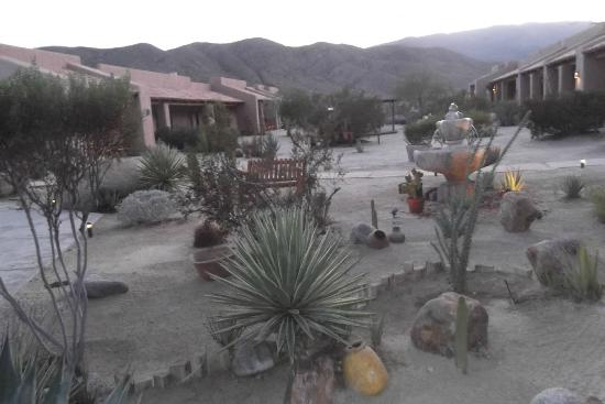 The coutyard Borrego Valley Inn