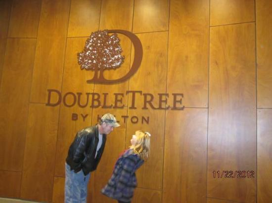 DoubleTree by Hilton - Washington DC - Crystal City : Front of the hotel