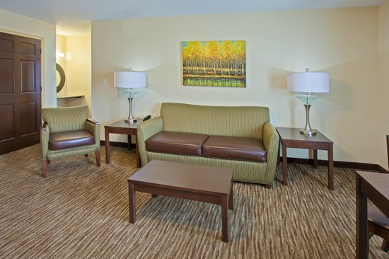 Holiday Inn Express Bowling Green XEXN Deluxe King Executive With Bedroom And Seperate Living