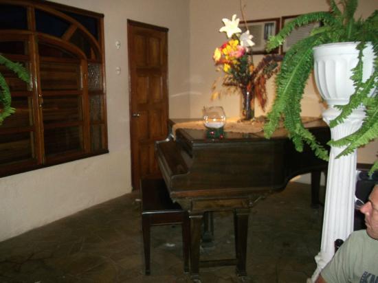 Blue Bahia Bar Restaurante: Piano
