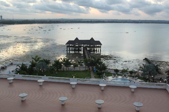 DoubleTree by Hilton Dar es Salaam-Oysterbay: Aussicht aufs Meer