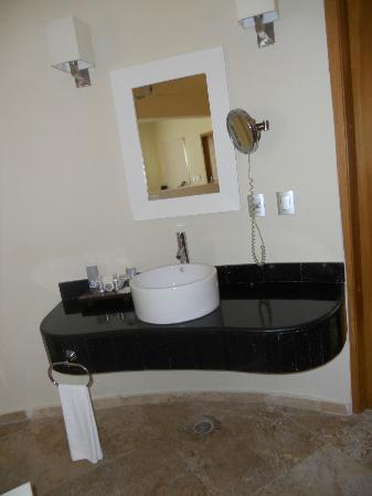 Grand Riviera Princess All Suites Resort & Spa: Laguna Villa Bathroom (1 of 2 sinks)