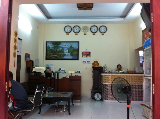 Luan Vu Hotel: Common area - Nhat Thao Guesthouse (right beside Luan Vu)