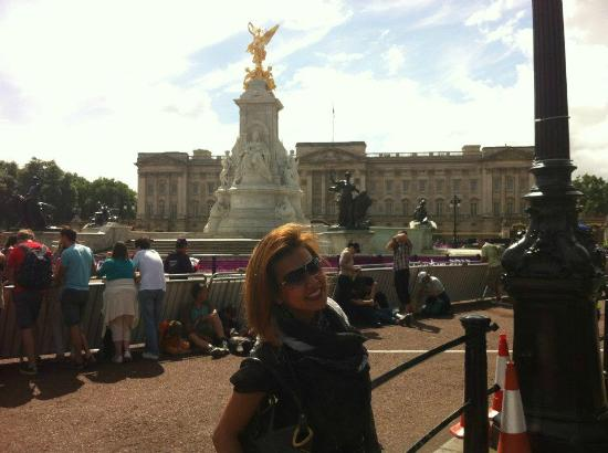 Yellow Moon Tours: Buckingham Palace