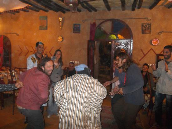 Nasser Palace Hotel & Bivouacs: Jam sesion en el comedor