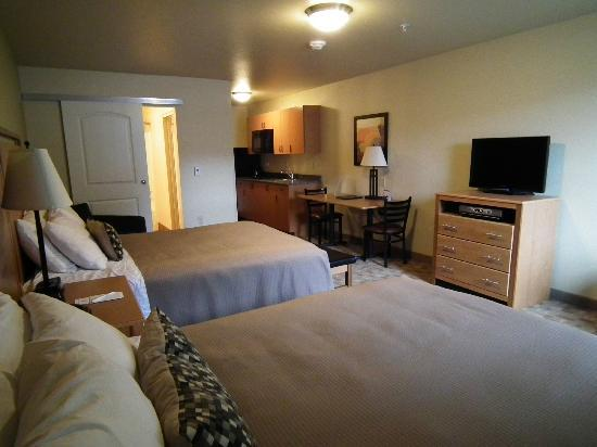 Juneau Aspen Suites Hotel : Double Queen Kitchenette