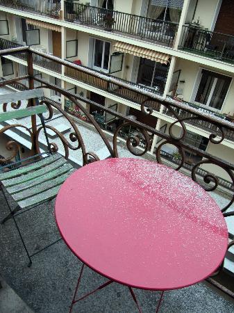Hotel Central : Balcon chambre 14