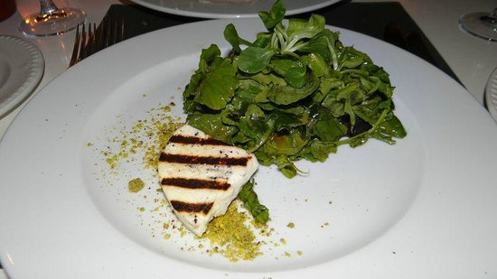 Salad with grilled manouri cheese