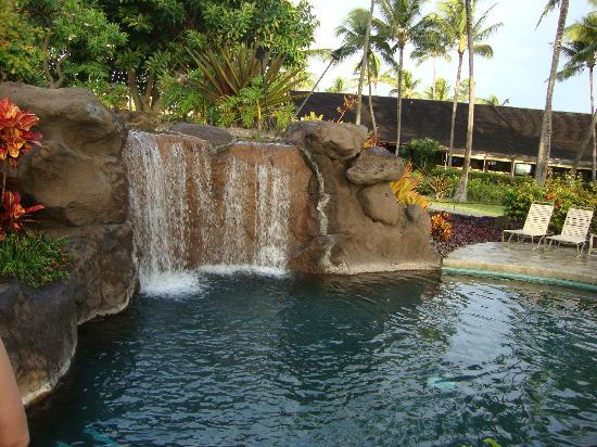 Kauai Coast Resort at the Beachboy : FABULOUS POOL! Kids spent most of their time here!