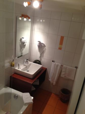 Hotel Restaurant Le Terminus : bain