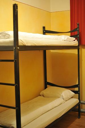 Jailhotel Loewengraben: Bunkbed in Unplugged room