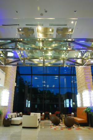 Radisson Summit Hotel And Golf: Lobby