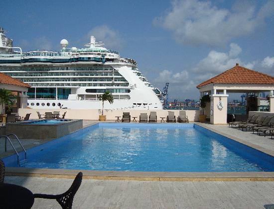 Radisson Colon 2000 Hotel & Casino: Pool Area