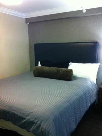 Sandman Signature Prince George Hotel: Bed