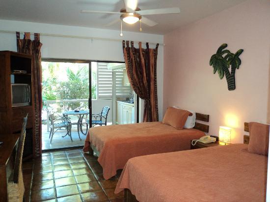 Caribbean Paradise Inn : Veranda room view