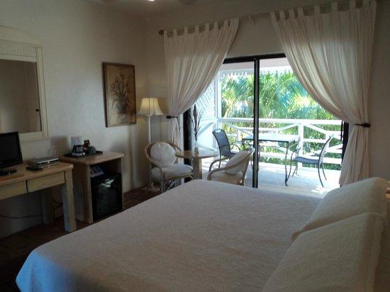 كاريبيان بارادايز إن: Cozy rooms with poolside views