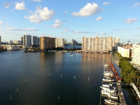 Miami Beach Intracoastal Apartments by Globe Quarters : Intracoastal view