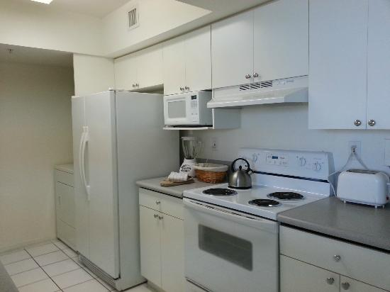 Miami Beach Intracoastal Apartments by Globe Quarters : Kitchen