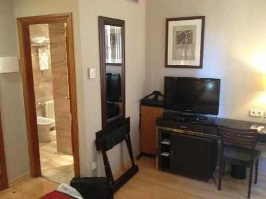 H10 Montcada Boutique Hotel: Room