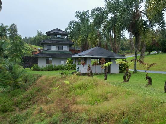 The Inn at Kulaniapia Falls: The Pagoda guest house.