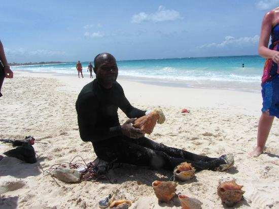 Barcelo Punta Cana: local fisherman...no english