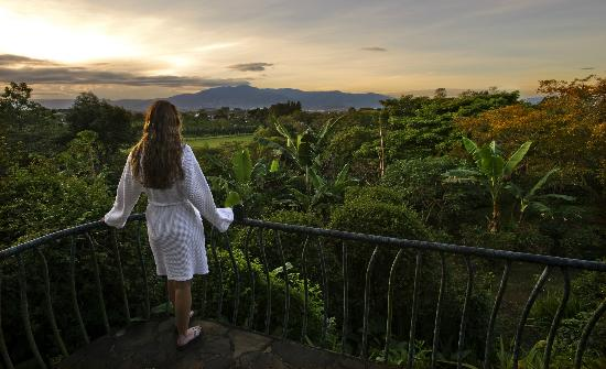 Finca Rosa Blanca Coffee Plantation & Inn: Magnificent views of the Central Valley from your private deck