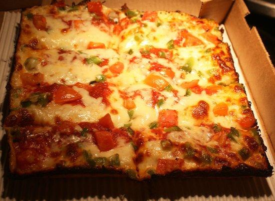 Antoniou's Pizza : Antoniou's Deep-Dish Pizza, Rochester Hills