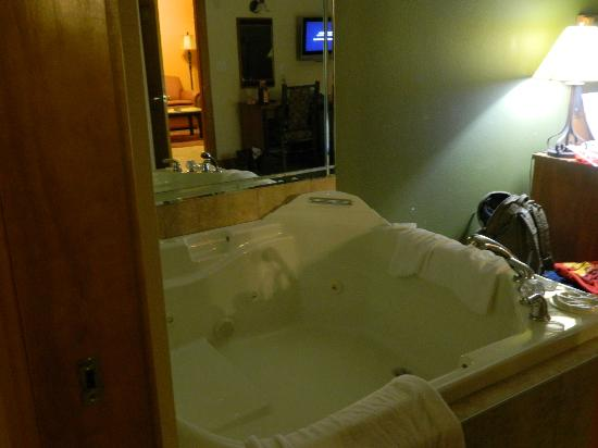 Westgate Branson Woods Resort: Jacuzzi tub
