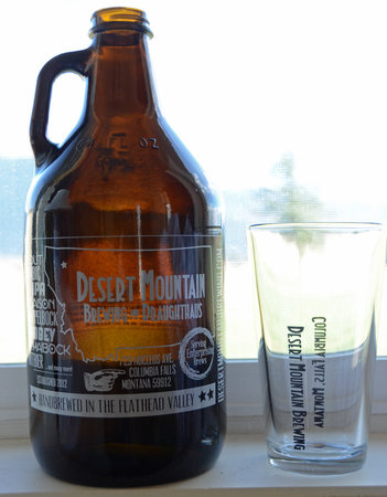 Desert Mountain Brewing & Draughthaus: Growler and glass