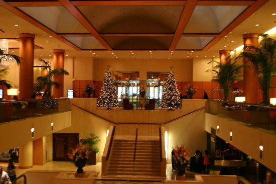 JW Marriott Washington, DC: Lobby decorated for the holidays
