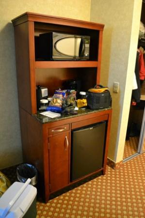 Hilton Garden Inn Ottawa Airport: microwave, coffee/tea and small fridge