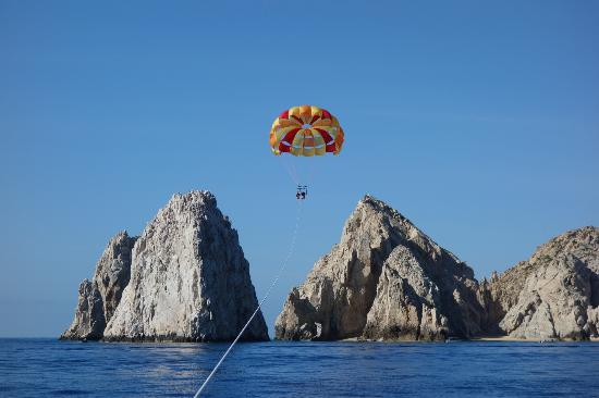 Villa del Palmar Beach Resort & Spa Los Cabos : parasailing