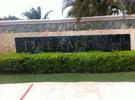 Dreams Punta Cana Resort & Spa: front