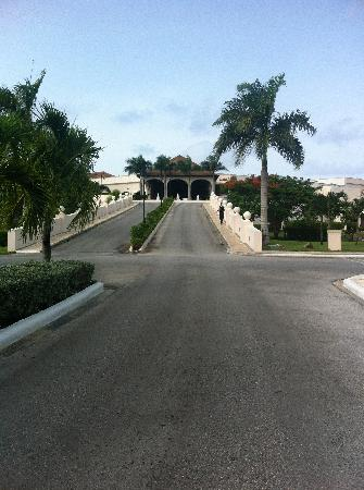 Dreams Punta Cana Resort & Spa: from the gates