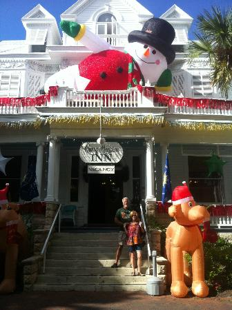 Amsterdam's Curry Mansion Inn: Christmas at the Curry Mansion