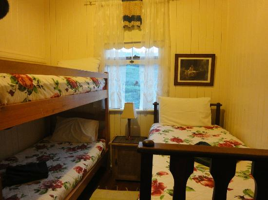 Cedar Glen Farmstay: Kids' room